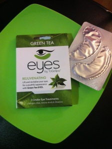photo GREEN TEA EYES